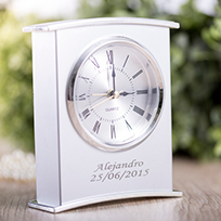 horloges et montres personnalis s. Black Bedroom Furniture Sets. Home Design Ideas