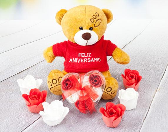 oso feliz aniversario con 6 rosas de jabón