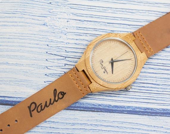 8ba468252308 Reloj de pulsera de madera grabado